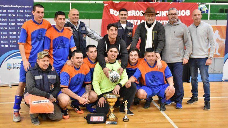 El Destacamento Nº 2 volvió a ganar el V Torneo de los Bomberos
