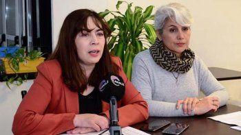 La coordinadora pedagógica Marisol Godoy, junto a la secretaria municipal de Cultura, Claudia Rearte, dieron a conocer detalles organizativos de la Feria del Libro.