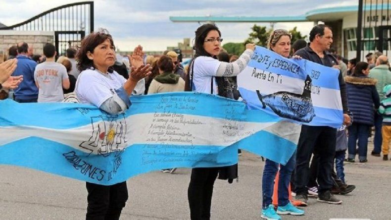 Familiares de los tripulantes pedirán que la causa judicial se divida