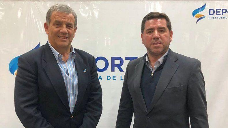 Walter Ñonquepán de Chubut Deportes junto a Diógenes de Urquiza