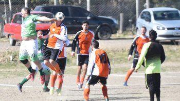 La Asociación de Fútbol Senior continuará esta tarde con el desarrollo de sus torneos.