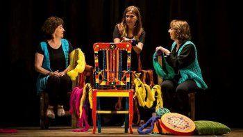 Germinacuentos presentará la obra Cuento 1, cuento 2, cuento 3 para recuperar la tradición de tejer y escuchar relatos tradicionales.