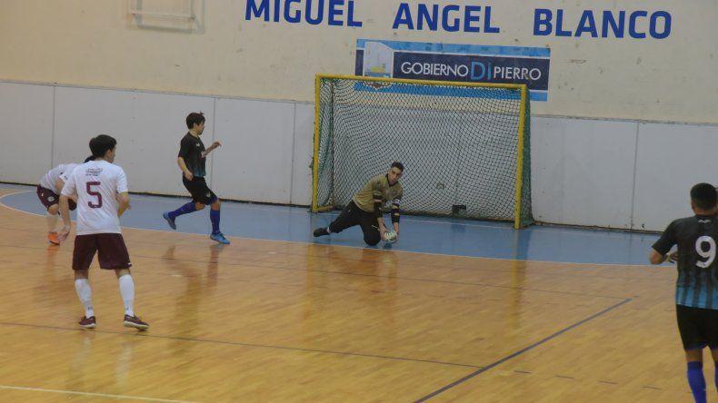 Lanús necesita al menos un empate para forzar un tercer partido en la final del torneo Apertura de fútbol de salón.