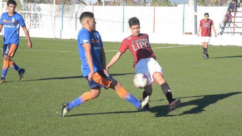 Huracán viene de ganarle 2-0 a Comisión de Actividades Infantiles y de esa manera se aseguró el título del torneo Inicial A.