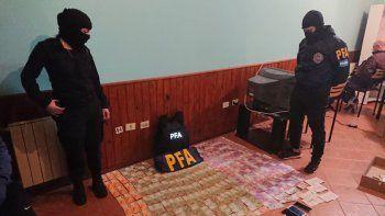 arresto domiciliario para una de las detenidas