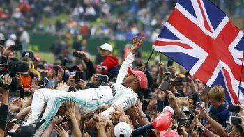 Hamilton festejó en su casa y se afianza en la Fórmula 1