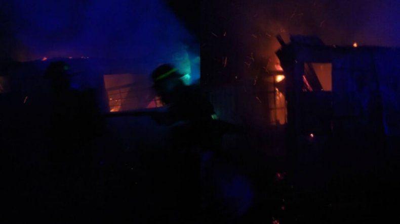 Anoche se incendiaron dos viviendas