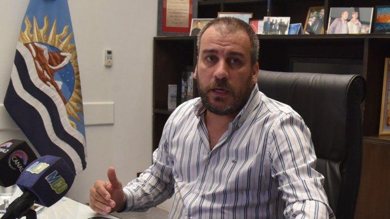 El intendente Facundo Prades acusó ayer una leve mejoría pero su cuadro clínico sigue siendo delicado.