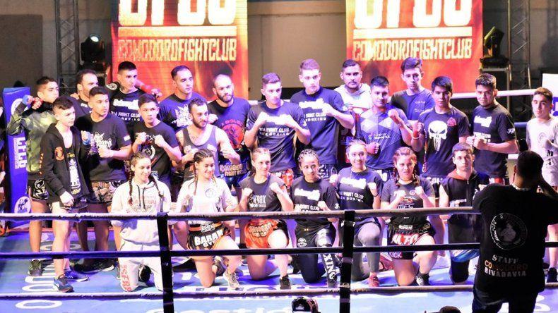Todos los participantes que estuvieron el sábado en el gimnasio municipal 1.