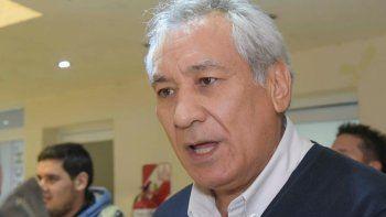 Alfredo Béliz recibió el apoyo a su candidatura a diputado nacional en un plenario desarrollado ayer por el sindicato petrolero que lidera Jorge Avila.