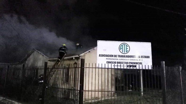 Sería intencional un incendio que dañó parcialmente la sede central de ATE