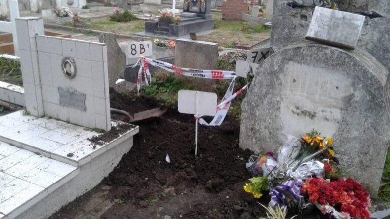 Roban cadáver de un bebé en un cementerio