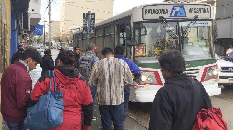 Los usuarios del transporte público se verán afectados hoy y mañana por la falta del servicio.
