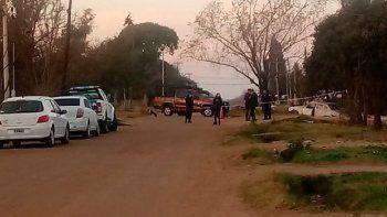 mataron a punaladas a una mujer y su hija: detuvieron al ex novio de la menor
