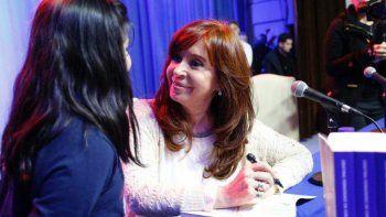 Cristina es la candidata que más creció en imagen positiva