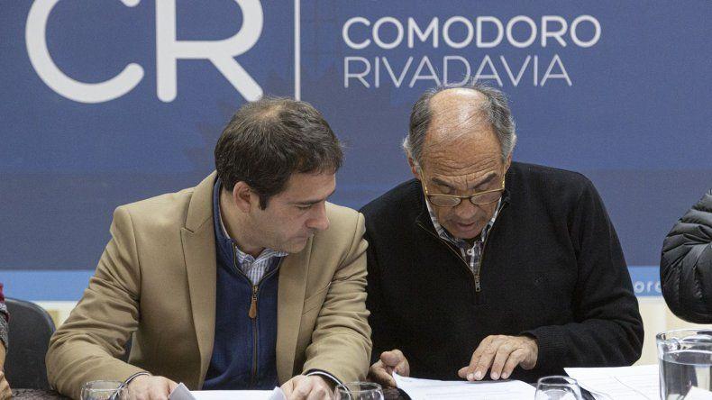 El viceintendente Luque encabezó el acto licitatorio que se desarrolló ayer en la Asociación Vecinal Mosconi.