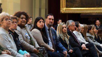 Familiares de los tripulantes fallecidos en el hundimiento asistieron ayer a la lectura del informe en el Congreso.