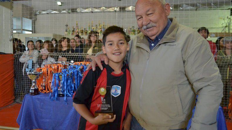 Tiene 12 años y se probará en el Atlético de Madrid