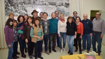Juan Pablo Luque en la reunión que mantuvo con habitantes del barrio Mosconi.