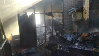 Incendio y derrumbe en una vivienda del Barrio Juan XXIII