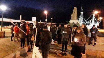 Pese a las adversas condiciones climáticas, ayer se realizó una manifestación para reclamar por el esclarecimiento del crimen de Zulma Malvar.