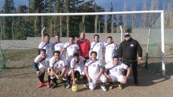El equipo de Tiburones que participa en el torneo Senior de la división B.