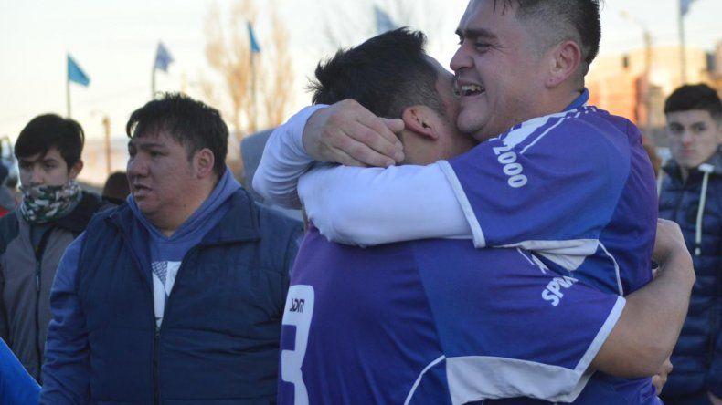 Toda la felicidad de Diego Arismendi tras coronarse campeón con San Martín.