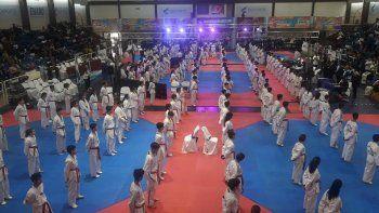 Los deportistas en plena competencia en el Centro Nacional de Alto Rendimiento Deportivo.