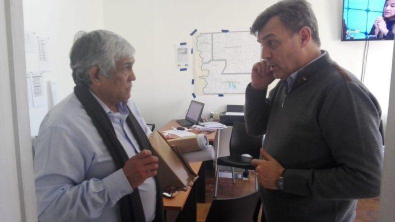 Máximo Pérez Catán expuso sus ideas a intendentes y diputados.