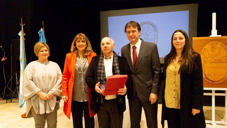 La entrega de reconocimientos al personal del Centro Municipal de Salud de Rada Tilly.