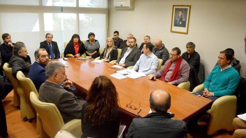La reunión que se desarrolló ayer en la Legislatura para abordar la deuda de las cooperativas eléctricas con CAMMESA.
