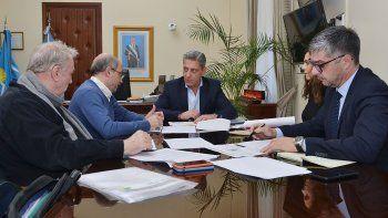 La reunión que ayer encabezó Arcioni con miembros del ENRE.