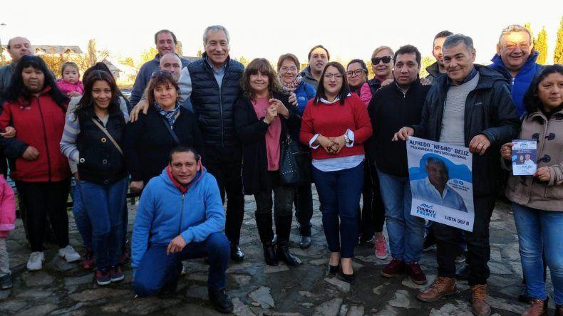 Alfredo Béliz continúa su campaña por la cordillera chubutense.
