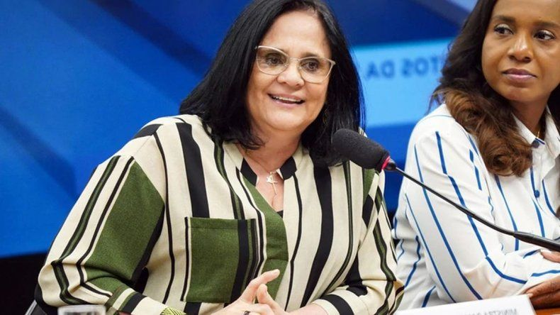 Ministra de Brasil afirmó que las niñas pobres son violadas porque no llevan bombachas