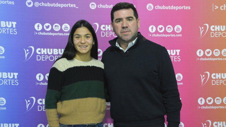 María Ayelén Diogo junto a Walter Ñonquepan