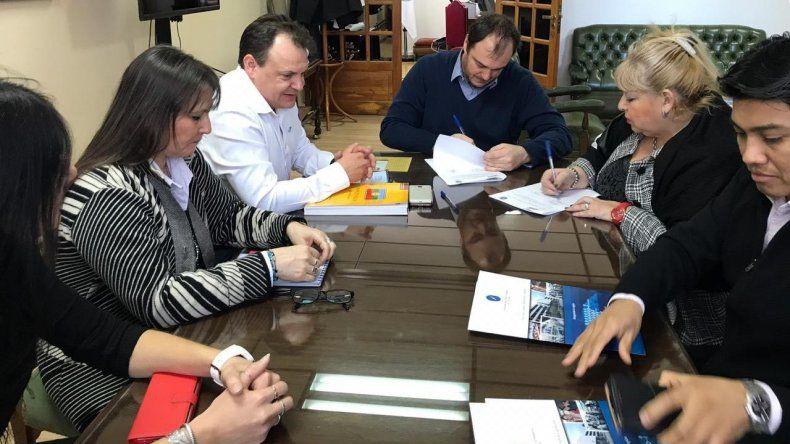 La UNPSJB firmó un convenio de intercambio y formación con el Instituto Docente N° 807