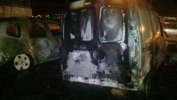 Incendian dos automóviles al precandidato Julio el gitano