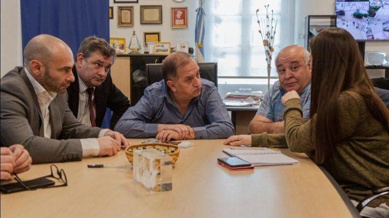 Linares le recordó a Massoni que Provincia adeuda a Comodoro casi 100 millones de pesos en aportes por la merma del subsidio del gobierno de Macri.