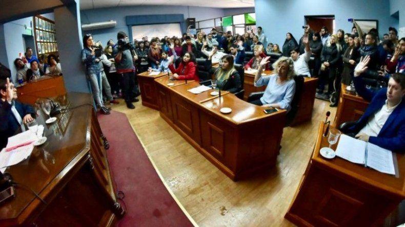 Rossana Artero no se presentó a la convocatoria y está a un tris de dejar de ser intendenta de Rawson.