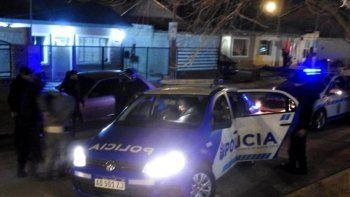 El operativo ejecutado en una vivienda del barrio Rotary 23 contó con el apoyo de personal del Comando Radioeléctrico y de la Comisaría Seccional Quinta.