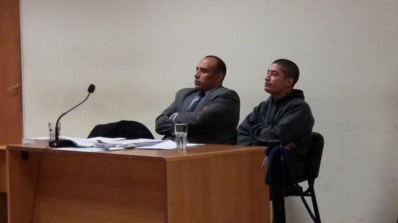 El tribunal que lleva a cabo el juicio contra Elías Maldonado -foto- inspeccionará hoy el lugar del cerro Chenque desde donde cayó Molina Escobar en la madrugada del domingo 29 de abril del año pasado.