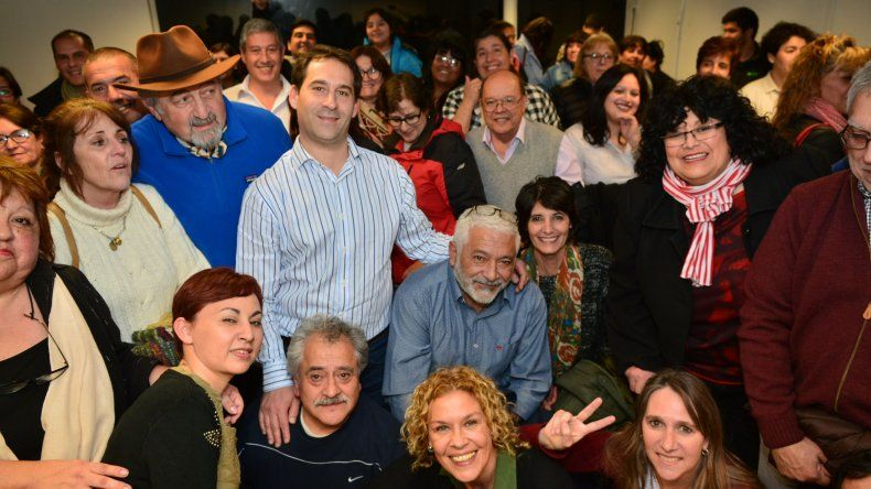 Luque se reunió con profesionales y trabajadores de la salud.