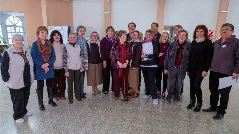 El Centro de Jubilados del Petróleo y Cáritas  articulan con el municipio su trabajo social