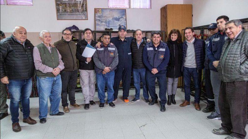 La visita de funcionarios municipales al cuartel del Centro.