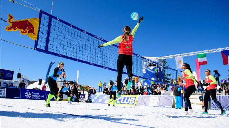 La tercera etapa oficial del Circuito Mundial de Snow Volleyball de la Federación Internacional se realiza este fin de semana en Bariloche.