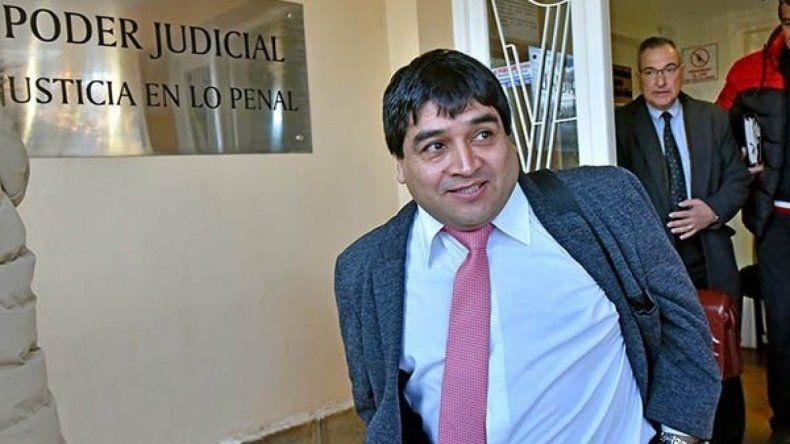 Oscar Alarcón en los tribunales de Esquel.