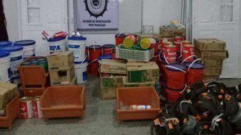 Parte de los materiales que habían sido sustraídos y fueron recuperados por la policía en dos allanamientos realizados en Pico Truncado.