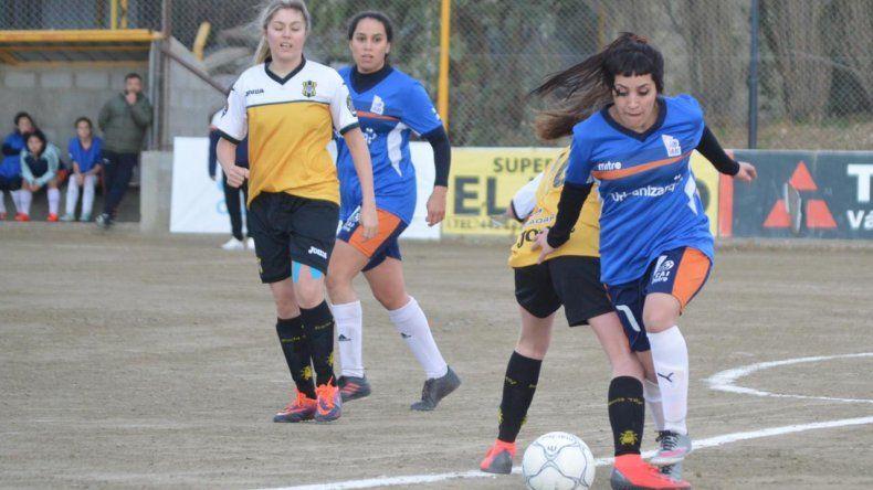 La CAI debutó con una aplastante victoria de 7-1 sobre Rada Tilly en el Torneo Femenino Piloto de la Liga de Fútbol de Comodoro Rivadavia.