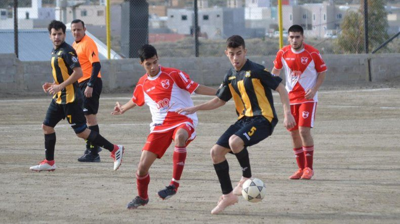 El Deportivo Sarmiento se llevó de Rada Tilly una valiosa victoria por el inicio del torneo Final A.