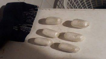 Detienen a mula que transportaba cocaína adentro de su cuerpo
